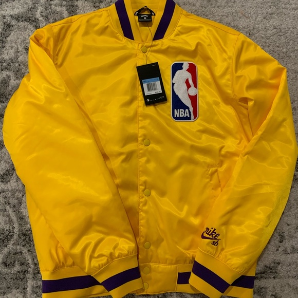 Nike SB NBA Bomber Jacket Starter LAKERS M New NWT